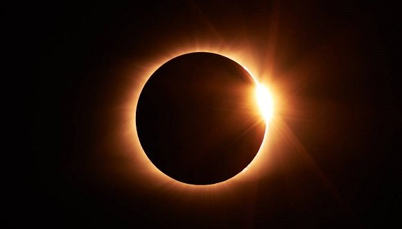 Ocurrirá último eclipse solar del año y de la década