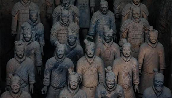 Hallan en China 200 guerreros de terracota y caballos de arcilla