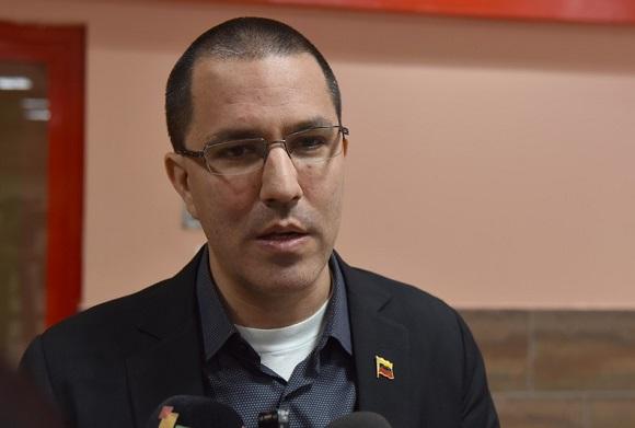 Maduro llegó a Cuba para asistir a la cumbre del ALBA