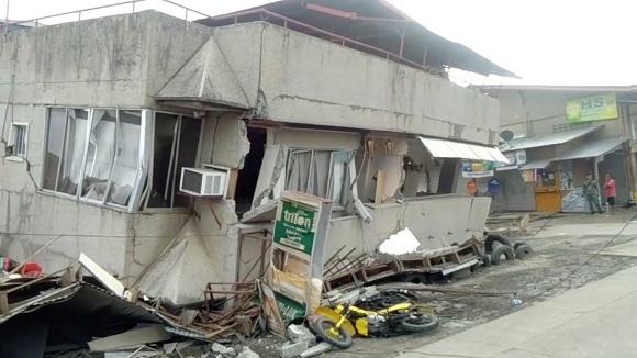 Filipinas sufre tres sismos y reporta una víctima fatal