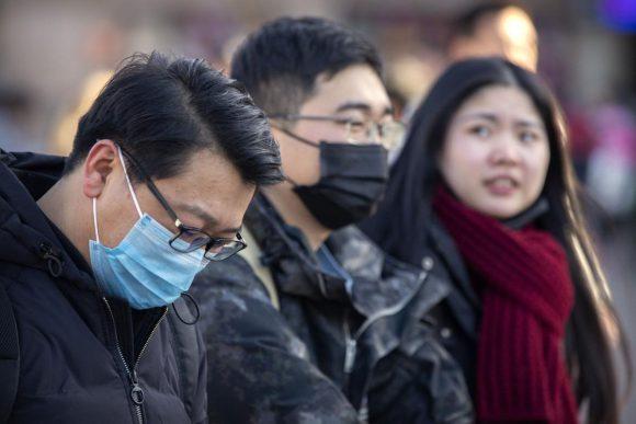 China confirma cuarta muerte por coronavirus y redobla medidas de control
