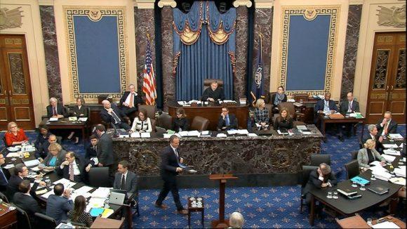 Sigue batalla entre demócratas y republicanos en juicio contra Trump