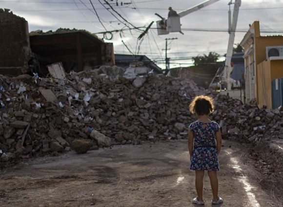 Il pourrait prendre un an pour récupérer le réseau électrique endommagé par les tremblements de terre à Porto Rico