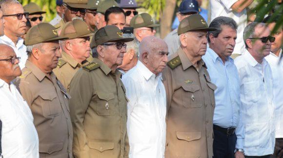 Raul Heads Funeral Honors of Major General Efigenio Ameijeiras