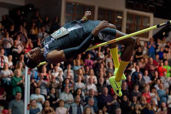 Saltador cubano Luis Enrique Zayas triunfa en Eslovaquia con marca personal