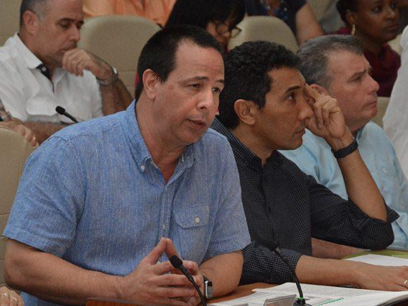 Presidente cubano anuncia nuevas medidas para enfrentar la Covid-19|CNC — EN VIVO