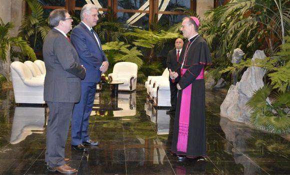 Recibió Díaz-Canel cartas credenciales de nuevos embajadores