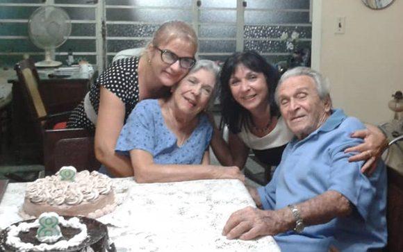 La familia Resik Aguirre. Foto: Cortesía de la entrevistada / Cubadebate