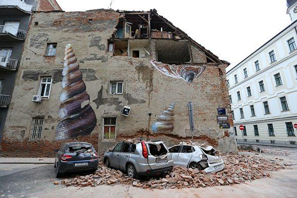 Un tremblement de terre à Zagreb, en Croatie, cause d'importants dégâts matériels
