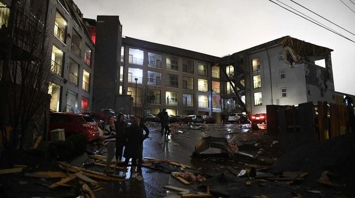 Nueve muertos, desaparecidos y varios daños materiales por tornados en Tennessee