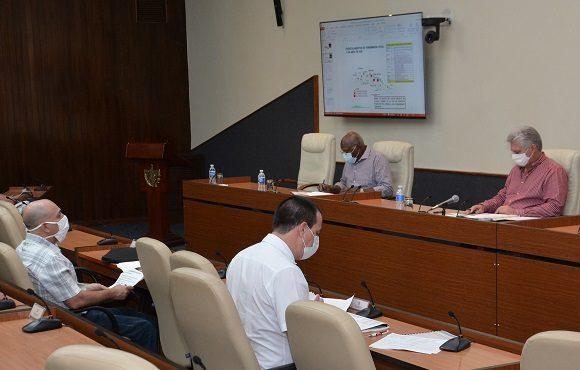 Gobierno cubano analiza medidas adoptadas ante el nuevo coronavirus