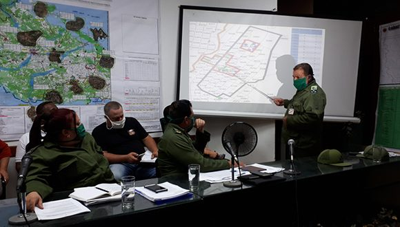 Evalúa Consejo de Defensa en Camagüey temas prioritarios en actual contingencia epidemiológica