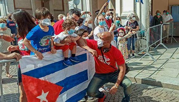 homenaje a brigada medica cubana crema 9