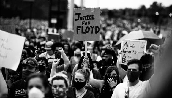 Elevan a homicidio en segundo grado cargos contra policía del caso Floyd