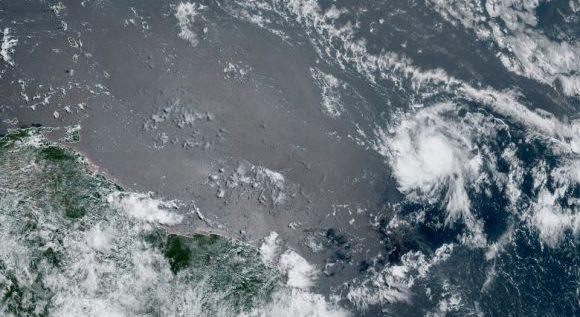 Transita por el Atlántico oriental la tormenta tropical Rene