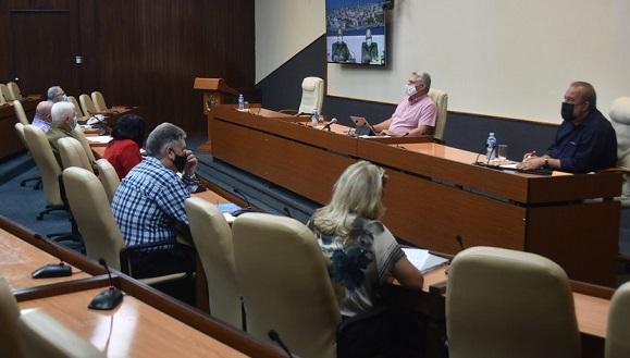 Llama gobierno cubano a mayor responsabilidad, para impactar de manera positiva el curso de la epidemia