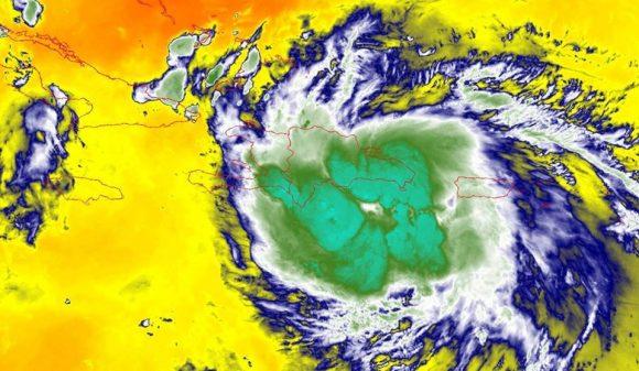 Laura afecta con lluvias intensas a República Dominicana (+ Cono de Trayectoria)