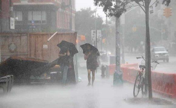 Al menos cinco personas fallecieron en hechos relacionados con la tormenta tropical Isaías en EE.UU.