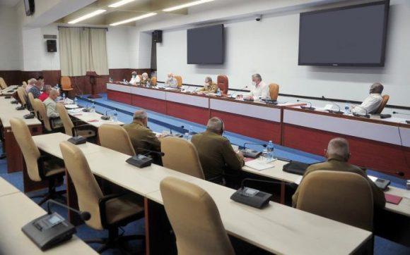 Analizó el Buró Político del PCC temas que serán presentados en el VIII Congreso