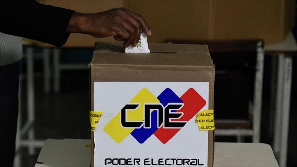La mayoría de los factores y variables que pueden incidir en el evento electoral del próximo 6D en Venezuela, muestran un comportamiento que debe favorecer el triunfo del chavismo. Foto: HispanTV
