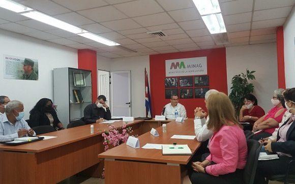 Cuba y Rusia analizan proyectos de colaboración en materia de agricultura