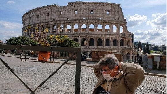 Gobierno italiano quiere prevenir un repunte de los contagios de coronavirus durante las fiestas navideñas. Foto: BBC.