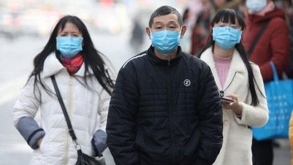 """""""Corrimos contra el reloj y fuimos el primer país en reportar los casos al mundo"""", dijo el Ministro de Exteriores de China. Foto: BBC."""