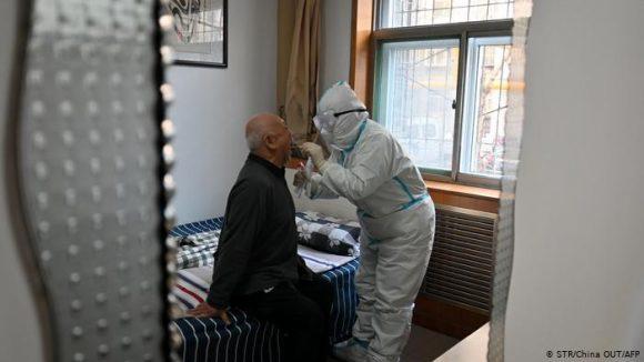 COVID-19 en el mundo: Nueva cepa incrementa los contagios a escala global