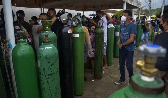 Venezuela envía tubos de oxígeno al estado de Amazonas en Brasil