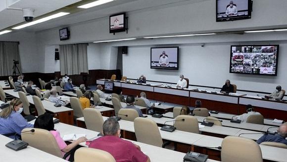 En el encuentro se aprobaron 63 medidas para potenciar la producción de alimentos, de las cuales 30 se consideran con prioridad y algunas de carácter inmediato. Foto: Estudios Revolución.