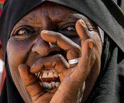 Canto de júbillo de mujer etíope. Foto: Ismael Francisco/ Cubadebate.
