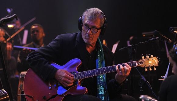 Ivette se hizo acompañar por 40 músicos de la Camerata del Son, bajo la dirección musical de José Luis Beltrán y Rafael Guedes.