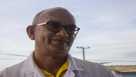 Doctor Andrés José Quesada Vazquez en Bayamo. Foto: Ismael Francisco/ Cubadebate.