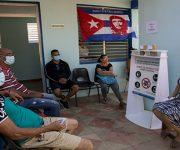 Vacunación con Abdala en el Consultorio #17 de Río Verde, Boyeros, La Habana. Foto: Ismael Francisco/ Cubadebate.