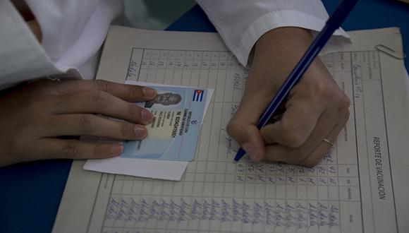 Abdala en el Consultorio #17 de Río Verde, Boyeros, La Habana. Foto: Ismael Francisco/ Cubadebate.
