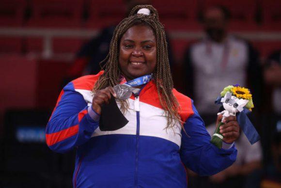Idalis Ortiz consigue primera medalla de plata para Cuba en Tokio (+ Foto, Tuit y Video)