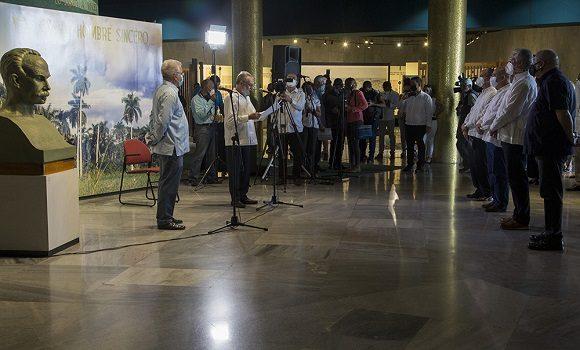 La presentación de las exposiciones estuvo a cargo de René González Barrios y Jesús Gómez Cairo, director del Centro Fidel Castro y director del Museo de la Música, respectivamente. Foto: Ismael Francisco/ Cubadebate