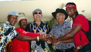 Conjura anticultural en Miami, denuncia la UNEAC