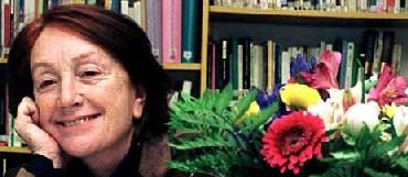 Rosa Regás: Estoy y estaré con Cuba
