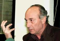 Yo no me subordino a José María Aznar en nada