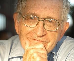 Chomsky: En EEUU sistema diseñado para evitar participación democrática