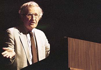 Noam Chomsky:  Las voces alternativas impactan ya a un público global