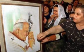 El Papa no fue culpable del derrumbe del socialismo, afirma Fidel