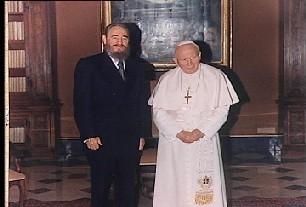 Fidel en Roma emocionado con el Papa