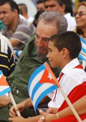 Fidel asiste a graduación de Elián González: Tengo el privilegio de ser su amigo
