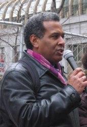 Condenan al Padre Luis Barrios a la cárcel por sus protestas en contra de la Escuela de las Américas